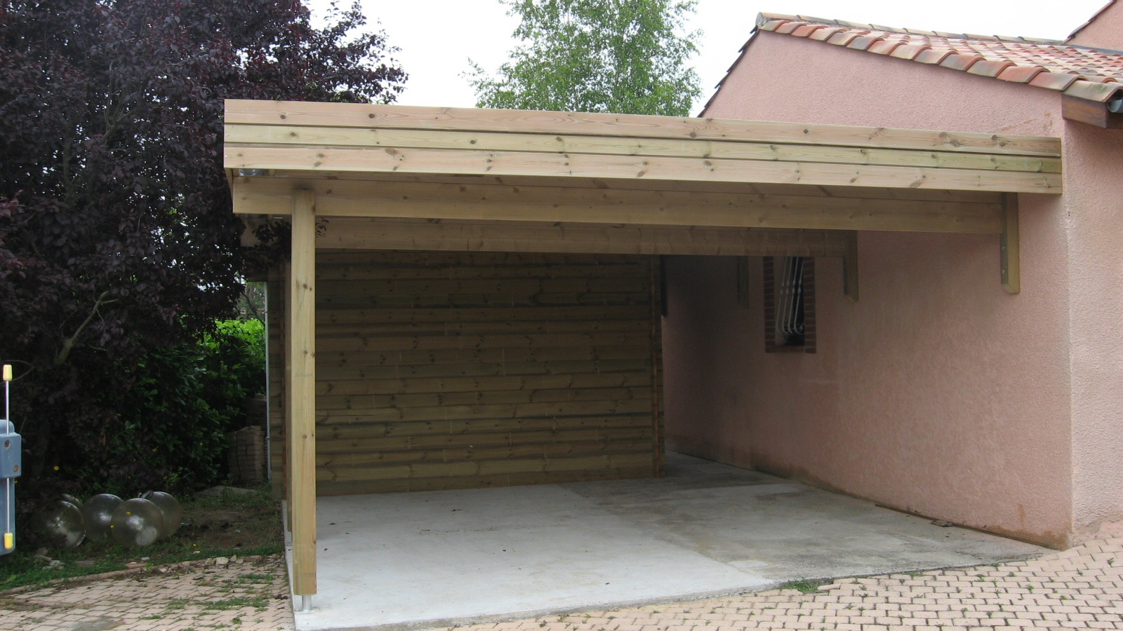 Carports bois garages bois personnalis s au sur mesure for Garages and carports